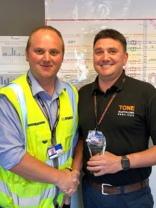 Award-ContractorMonth-GatwickAirportDivision-JUN2018